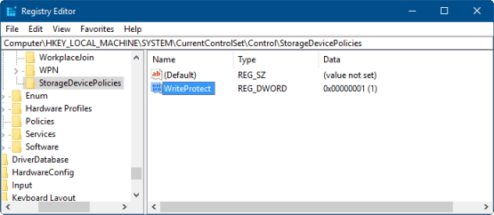 Illustrates the Registry Editor window